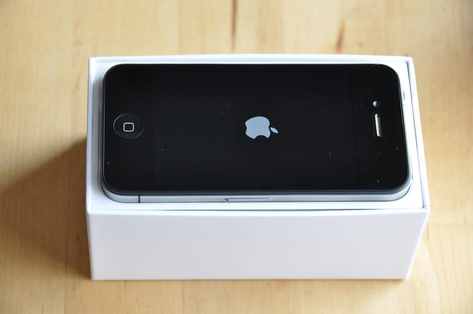 how to put gps tracker on iphone